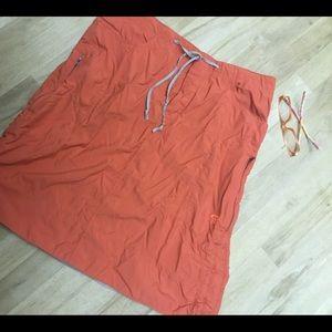 Mountain hardware size 8 nylon skirt